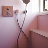 Wadey-Pink-Room-Shower-Detail-8
